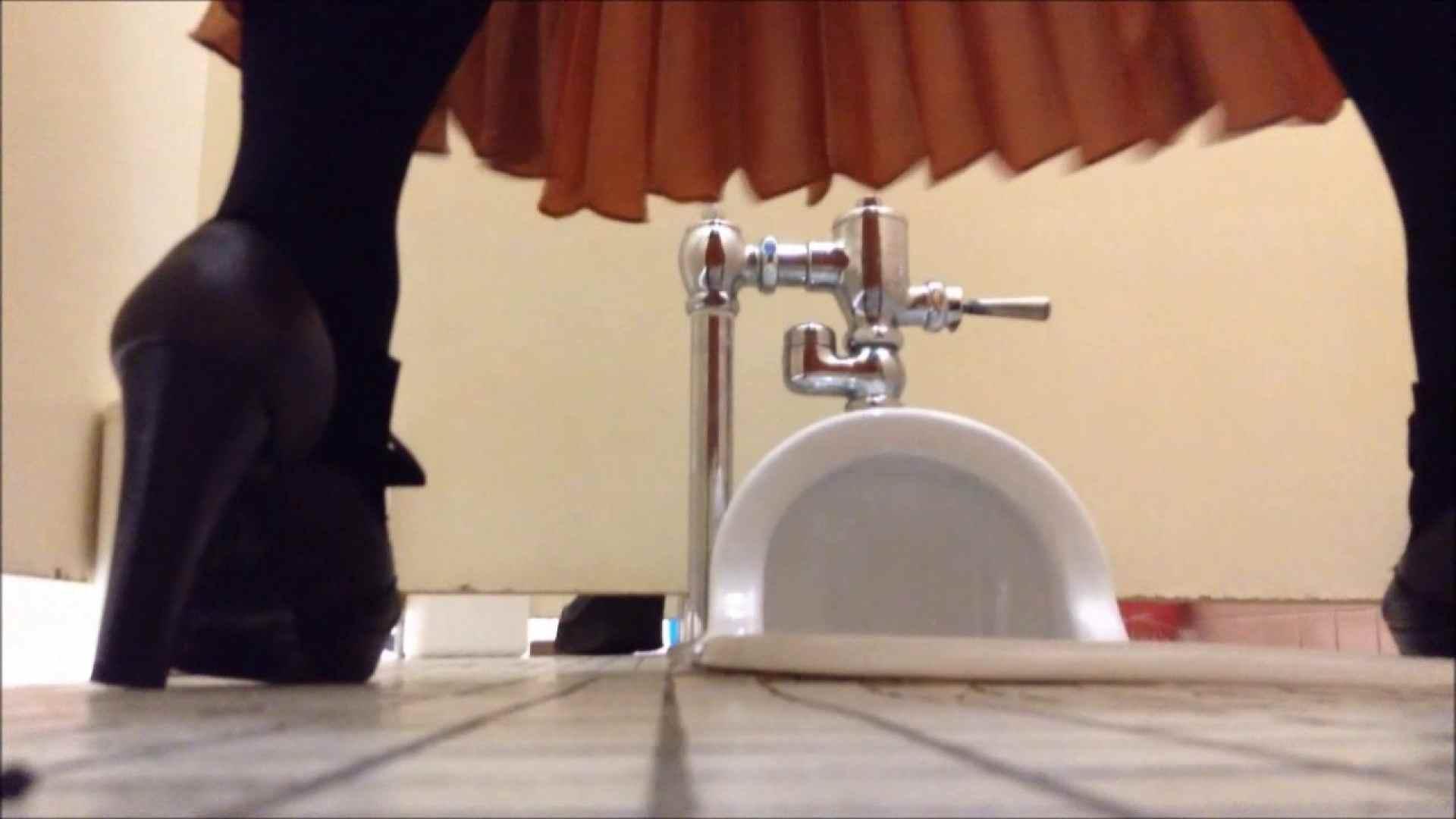 某有名大学女性洗面所 vol.05 和式 のぞきエロ無料画像 57連発 22