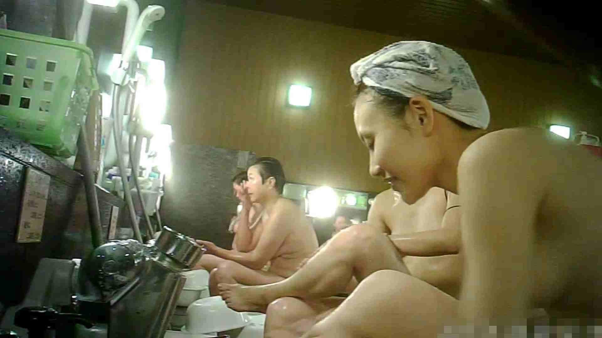 No.3 洗い場!!手前の嬢、特徴的な顔とコンパクトなおっぱい。 おっぱい エロ無料画像 43連発 38