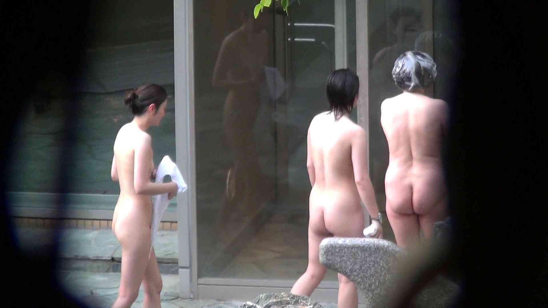 Vol.66 血縁関係三人の裸体鑑賞 タオルが憎い 裸体   露天  102連発 97