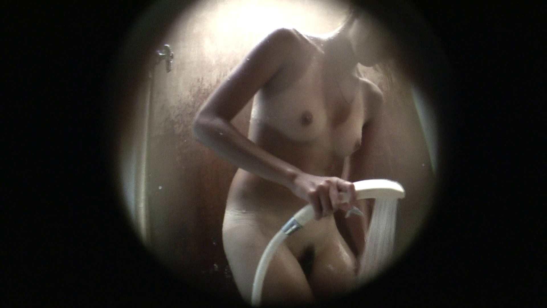 NO.02 見事に日焼けした年齢不詳のお女市さん シャワー  104連発 48