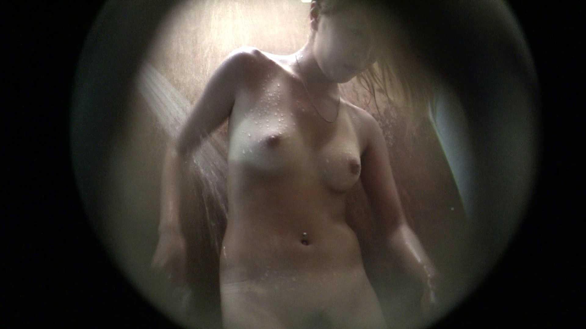 NO.02 見事に日焼けした年齢不詳のお女市さん シャワー室 盗み撮り動画キャプチャ 104連発 59