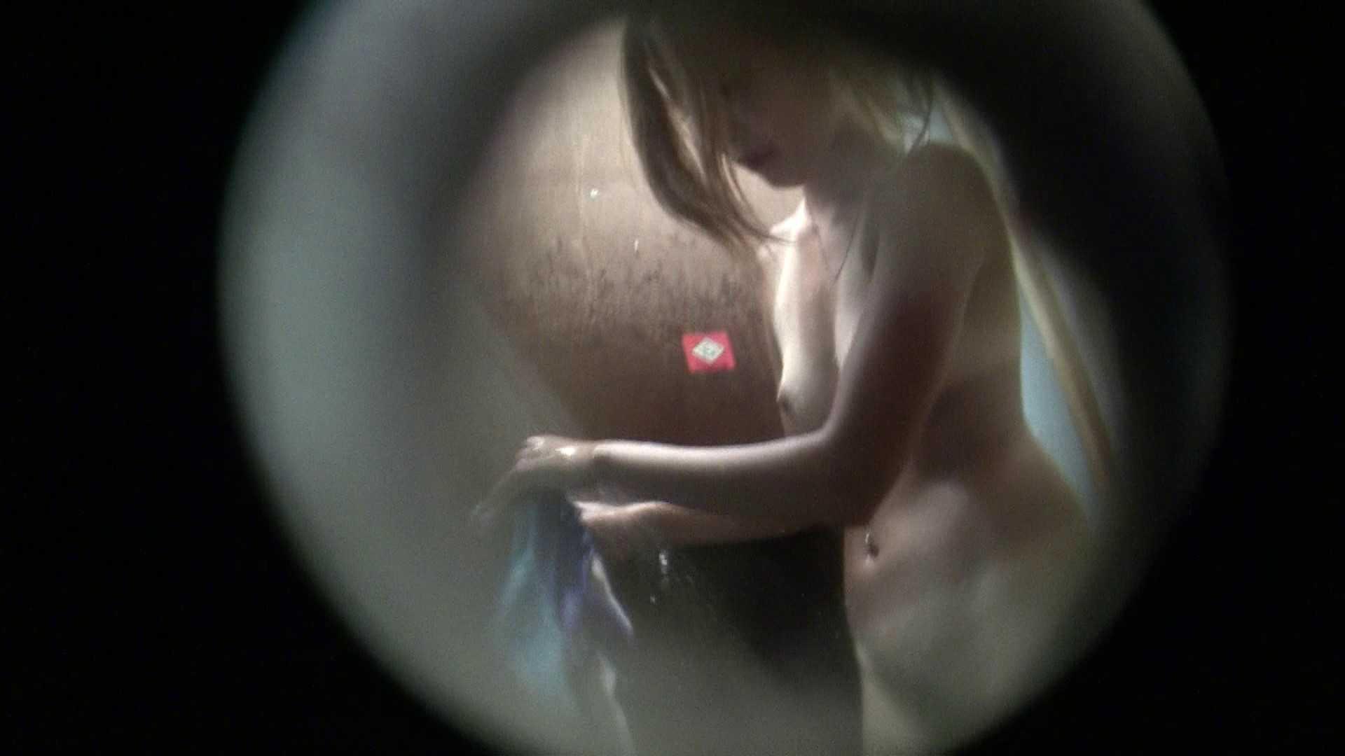 NO.02 見事に日焼けした年齢不詳のお女市さん シャワー   覗き  104連発 65
