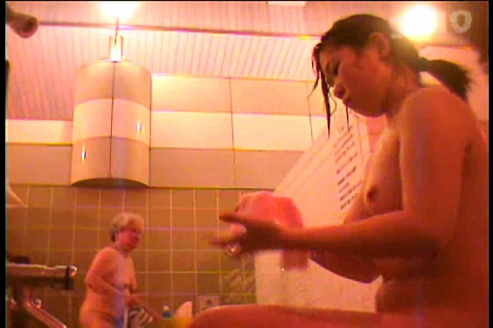 電波カメラ設置浴場からの防HAN映像 Vol.10 OL女体  86連発 30