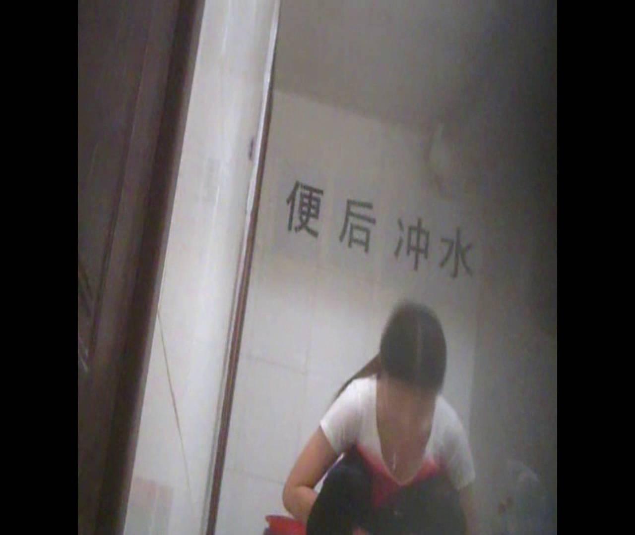 Vol.02 かがむ時の胸元は要注意! 丸見え 隠し撮りセックス画像 70連発 35