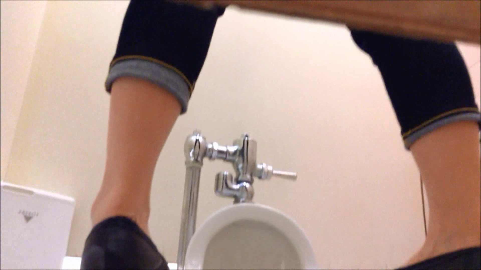 某有名大学女性洗面所 vol.17 和式 のぞき動画画像 108連発 51