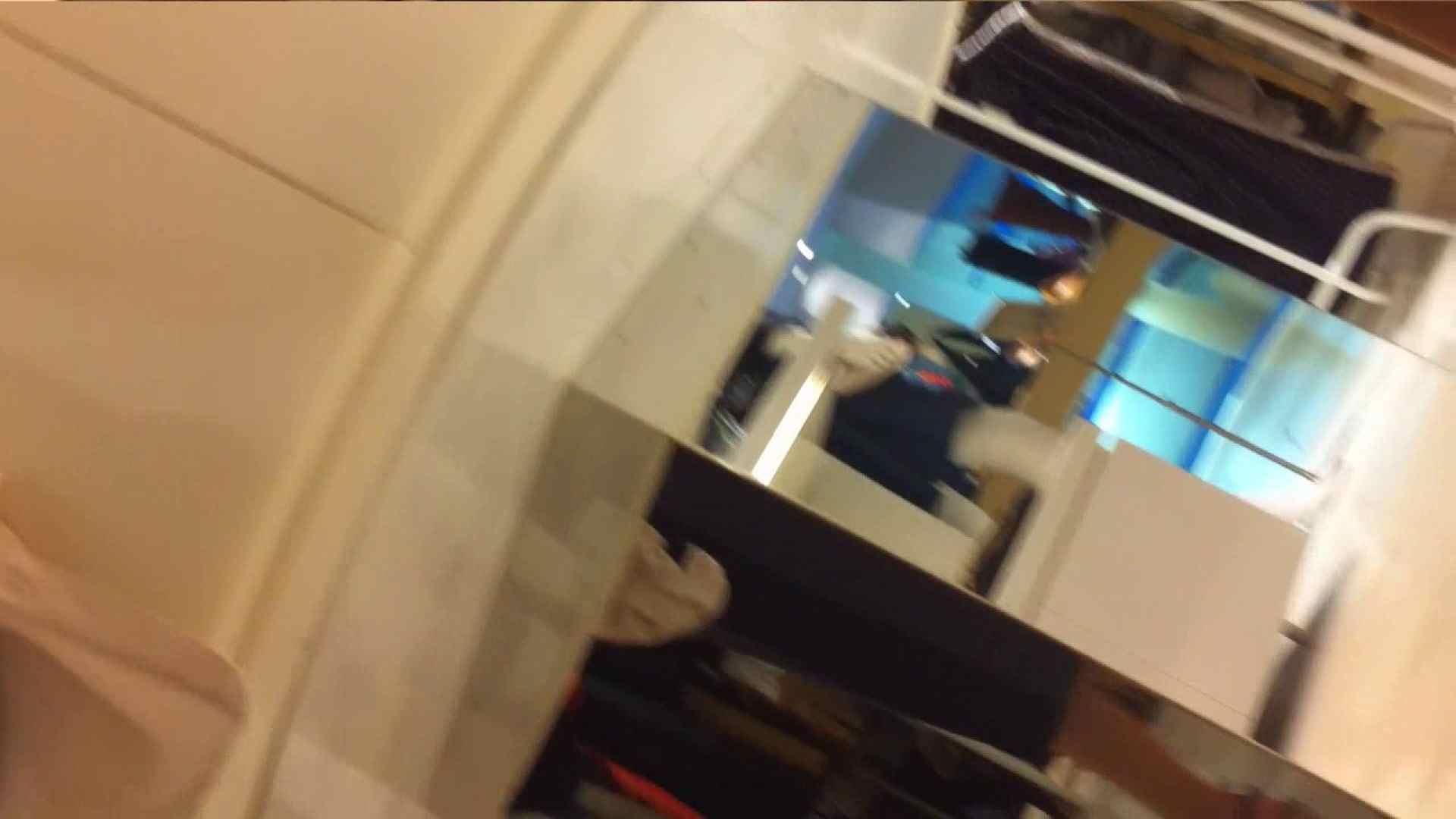 vol.40 美人アパレル胸チラ&パンチラ もっこりパンチラ! 胸チラ 盗撮動画紹介 85連発 65