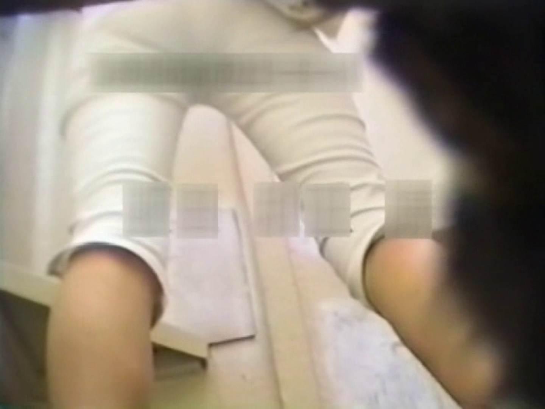 和式個室に穴を開けて盗撮しました。 フリーハンド   女体盗撮  104連発 101