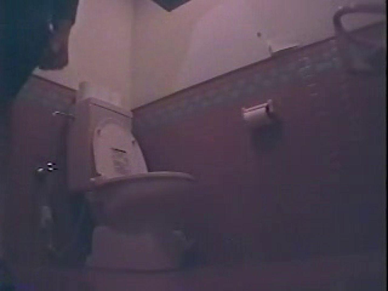 素人投稿作品 新・映画館厠盗撮 放尿流出 われめAV動画紹介 105連発 47