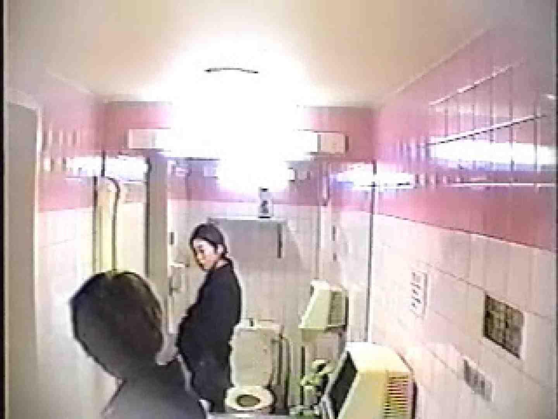 盗撮女子厠完全密着 洗面所 のぞき動画画像 55連発 33