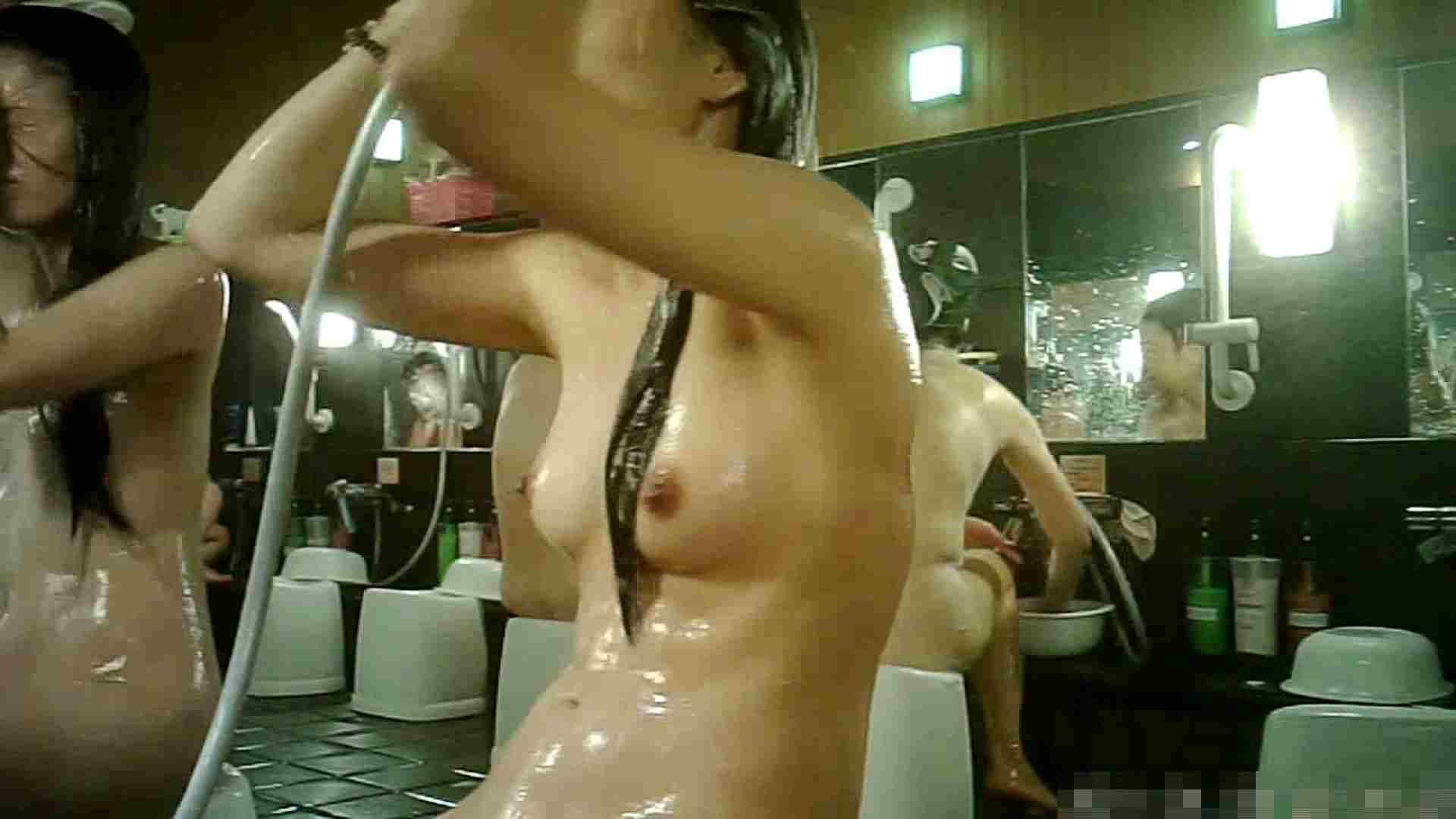 手を染めてしまった女性盗撮師の女風呂潜入記 vol.003 OL女体  104連発 28
