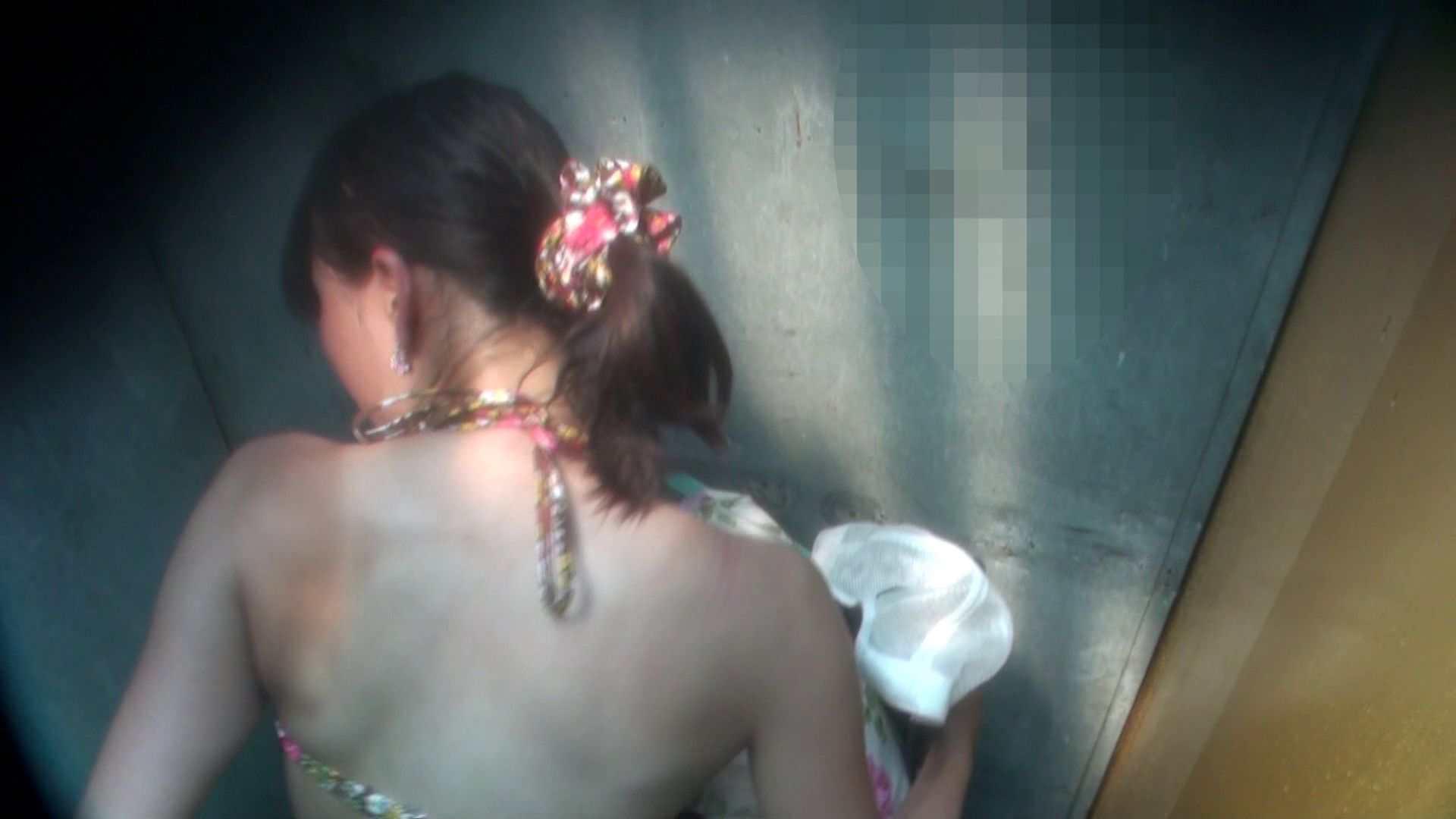 シャワールームは超!!危険な香りVol.16 意外に乳首は年増のそれ シャワー 戯れ無修正画像 44連発 7