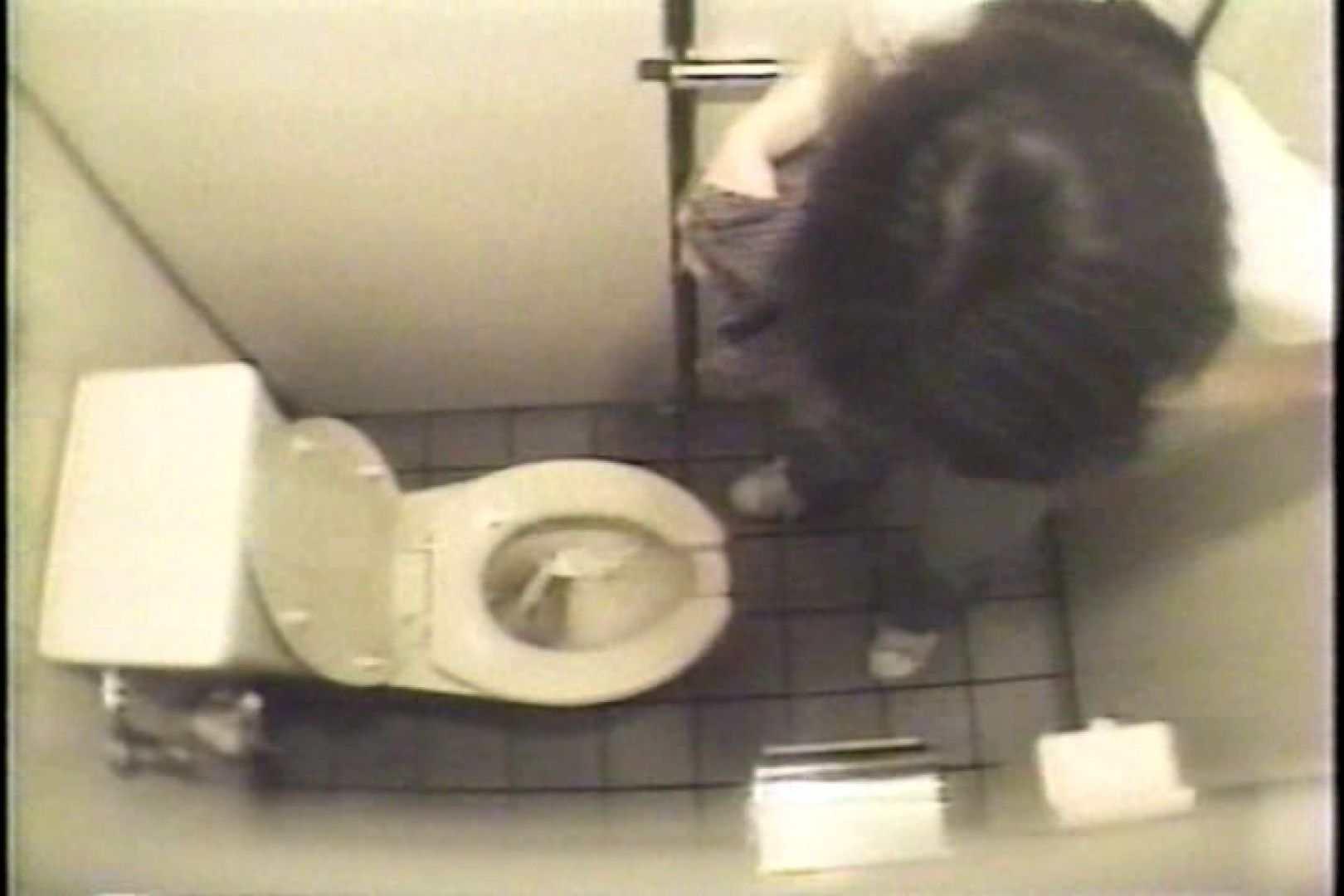 盗撮 女子洗面所3ヶ所入ってしゃがんで音出して 洗面所 オマンコ無修正動画無料 109連発 7