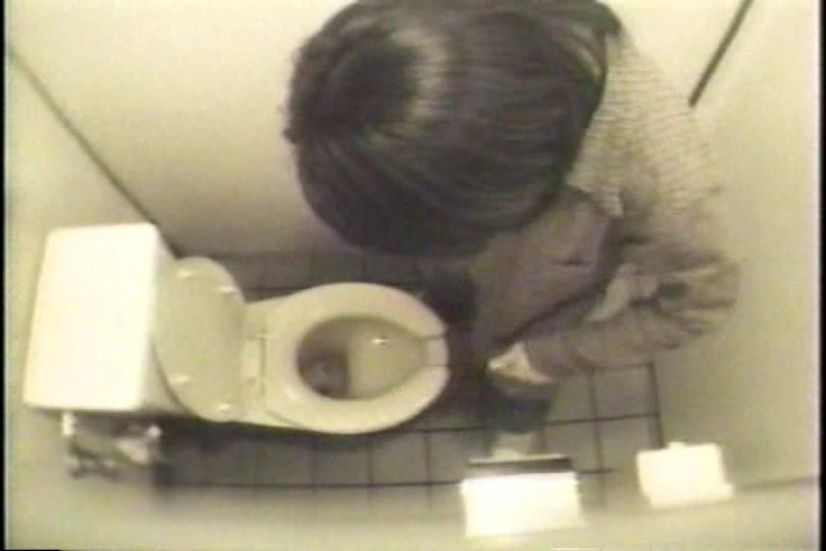 盗撮 女子洗面所3ヶ所入ってしゃがんで音出して 洗面所 オマンコ無修正動画無料 109連発 11