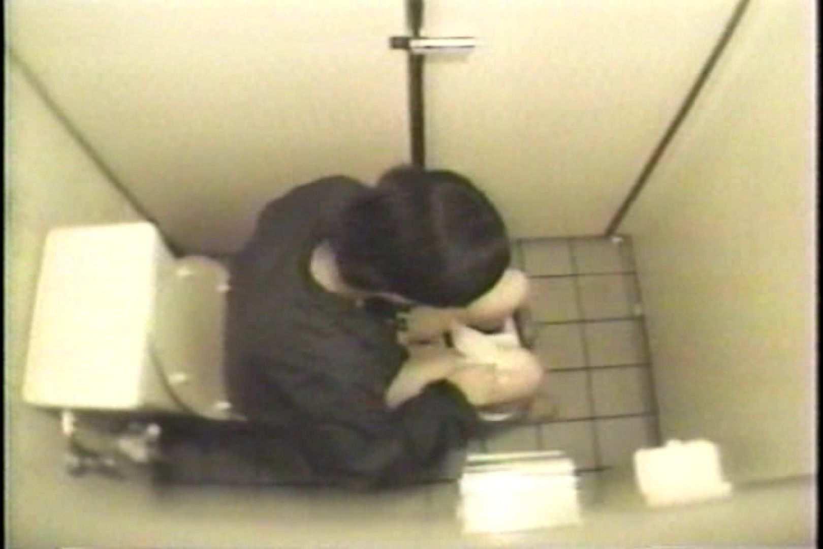 盗撮 女子洗面所3ヶ所入ってしゃがんで音出して 女体盗撮 のぞきエロ無料画像 109連発 14