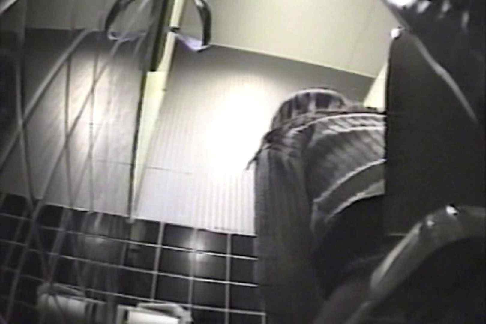 盗撮 女子洗面所3ヶ所入ってしゃがんで音出して 洗面所 オマンコ無修正動画無料 109連発 27