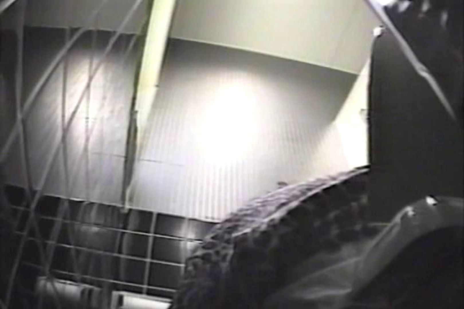 盗撮 女子洗面所3ヶ所入ってしゃがんで音出して 洗面所 オマンコ無修正動画無料 109連発 35