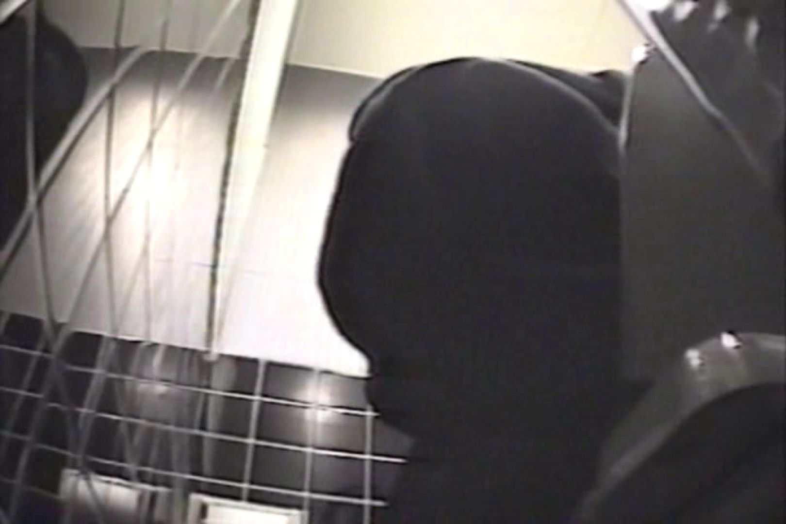 盗撮 女子洗面所3ヶ所入ってしゃがんで音出して プライベート   和式  109連発 41