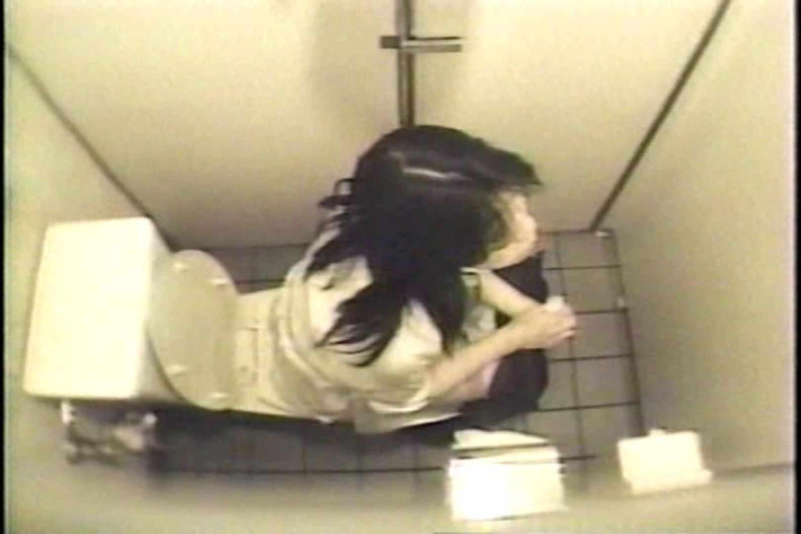 盗撮 女子洗面所3ヶ所入ってしゃがんで音出して プライベート   和式  109連発 77