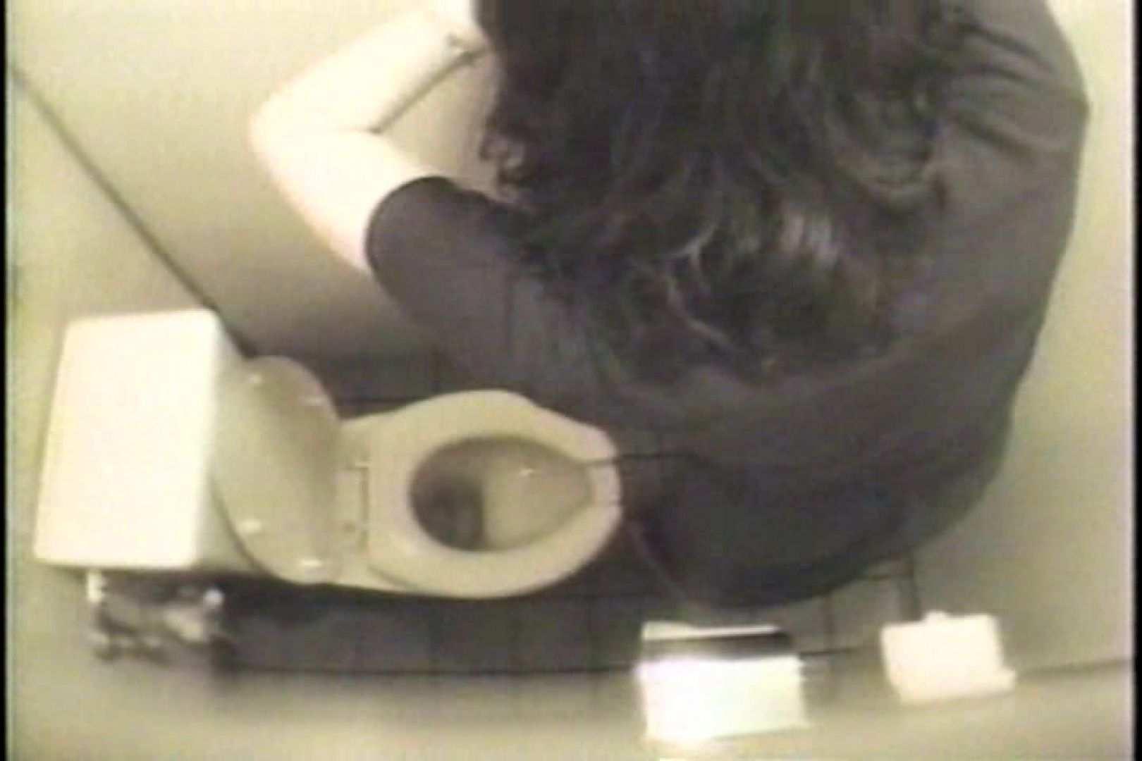 盗撮 女子洗面所3ヶ所入ってしゃがんで音出して プライベート  109連発 80