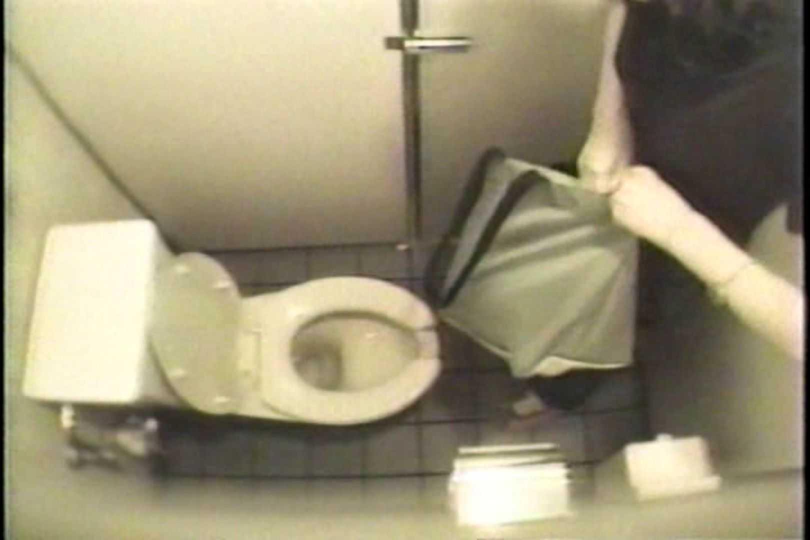 盗撮 女子洗面所3ヶ所入ってしゃがんで音出して プライベート  109連発 84