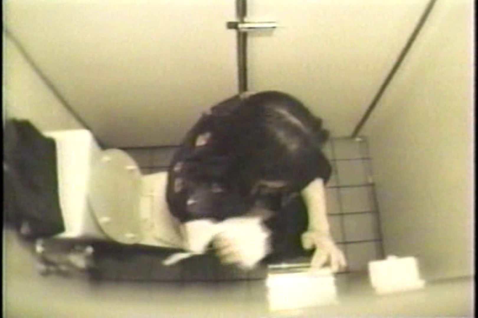 盗撮 女子洗面所3ヶ所入ってしゃがんで音出して プライベート  109連発 88