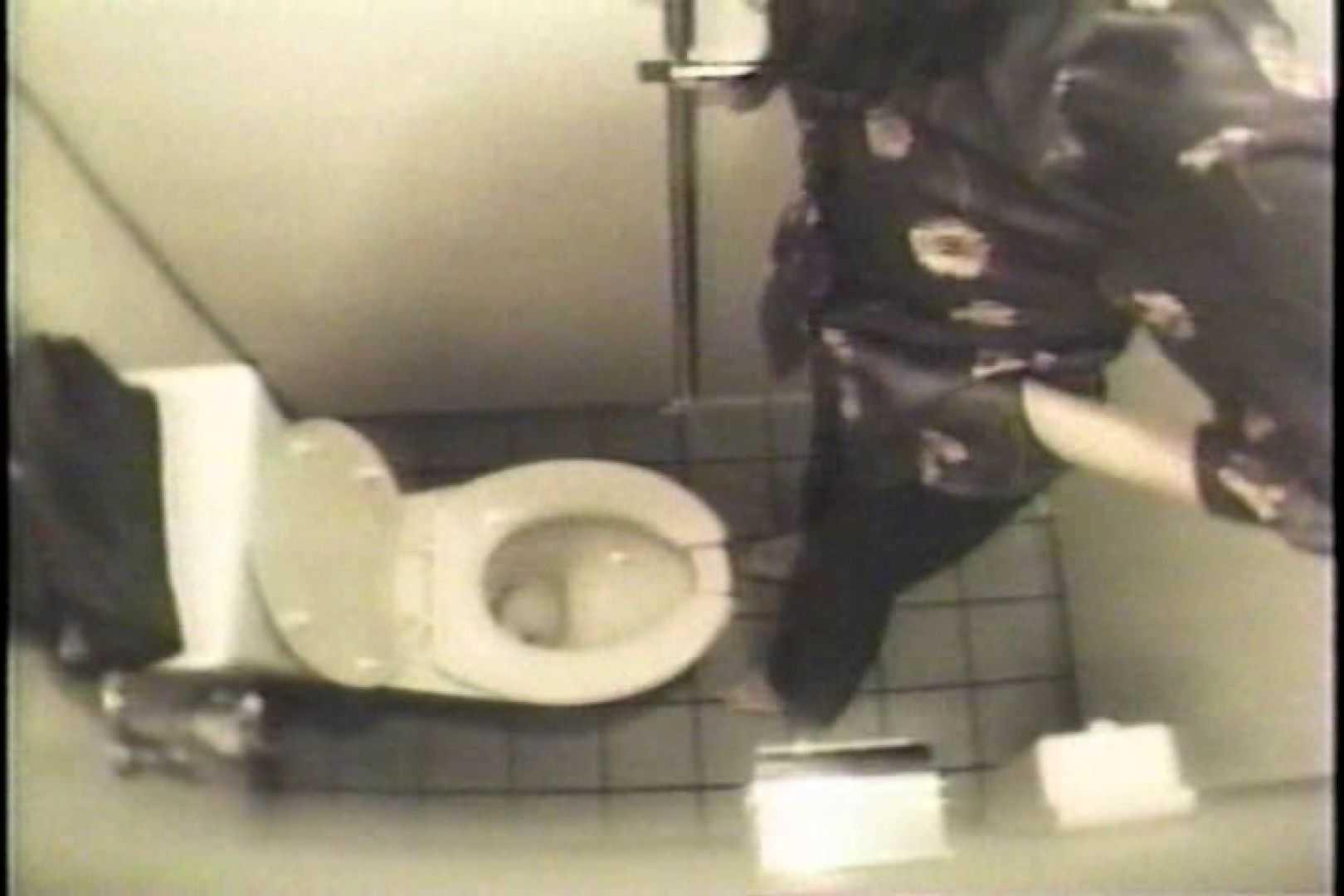 盗撮 女子洗面所3ヶ所入ってしゃがんで音出して プライベート   和式  109連発 89