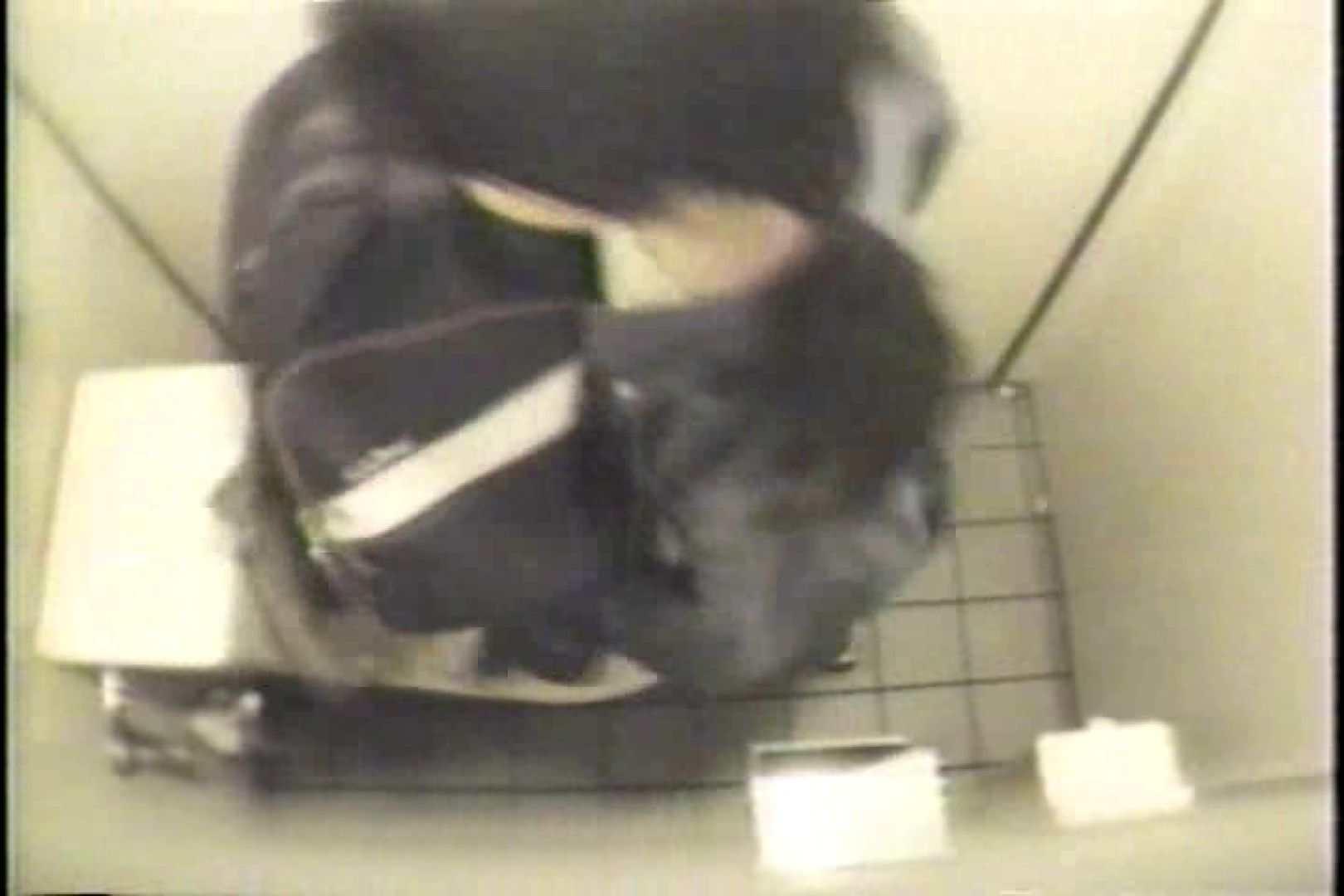盗撮 女子洗面所3ヶ所入ってしゃがんで音出して 女体盗撮 のぞきエロ無料画像 109連発 90