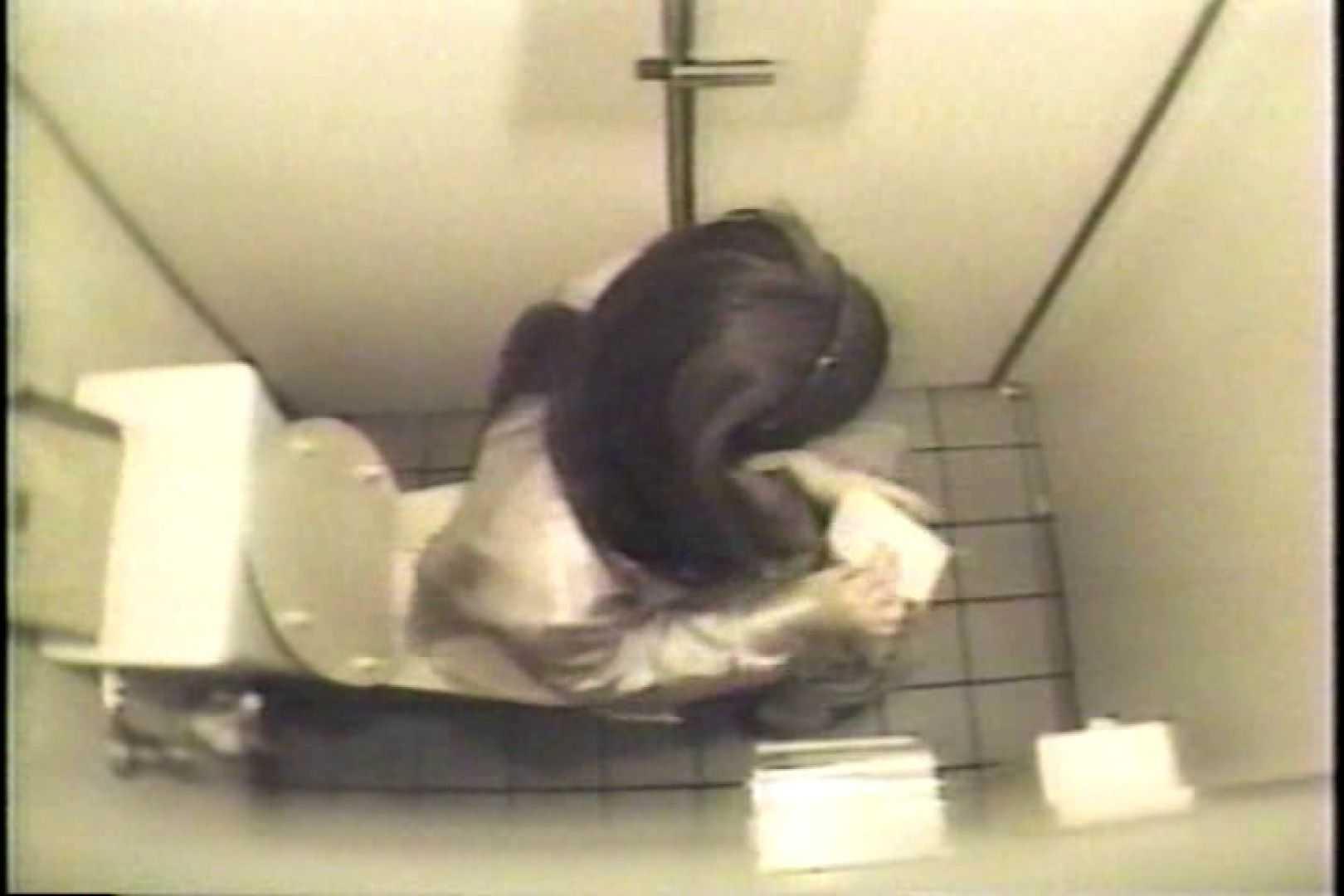 盗撮 女子洗面所3ヶ所入ってしゃがんで音出して 洗面所 オマンコ無修正動画無料 109連発 99