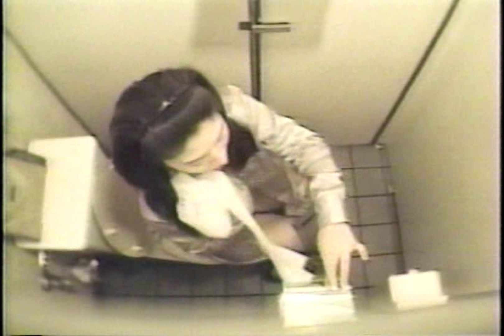 盗撮 女子洗面所3ヶ所入ってしゃがんで音出して プライベート   和式  109連発 101