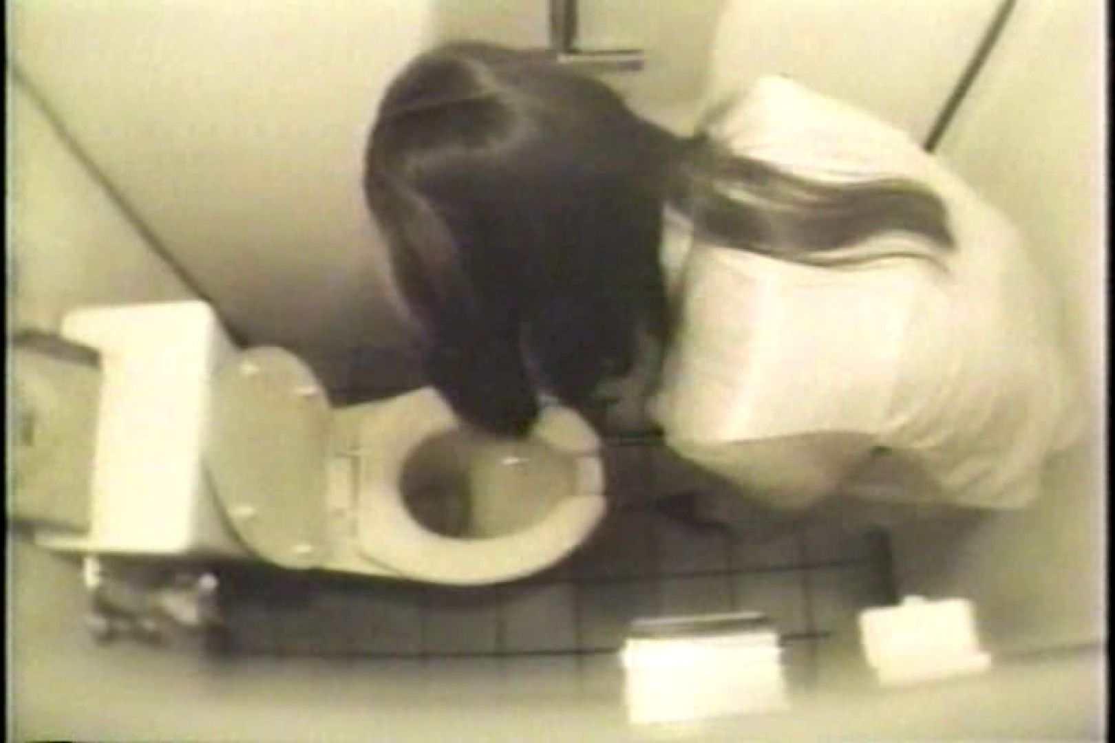 盗撮 女子洗面所3ヶ所入ってしゃがんで音出して プライベート  109連発 104