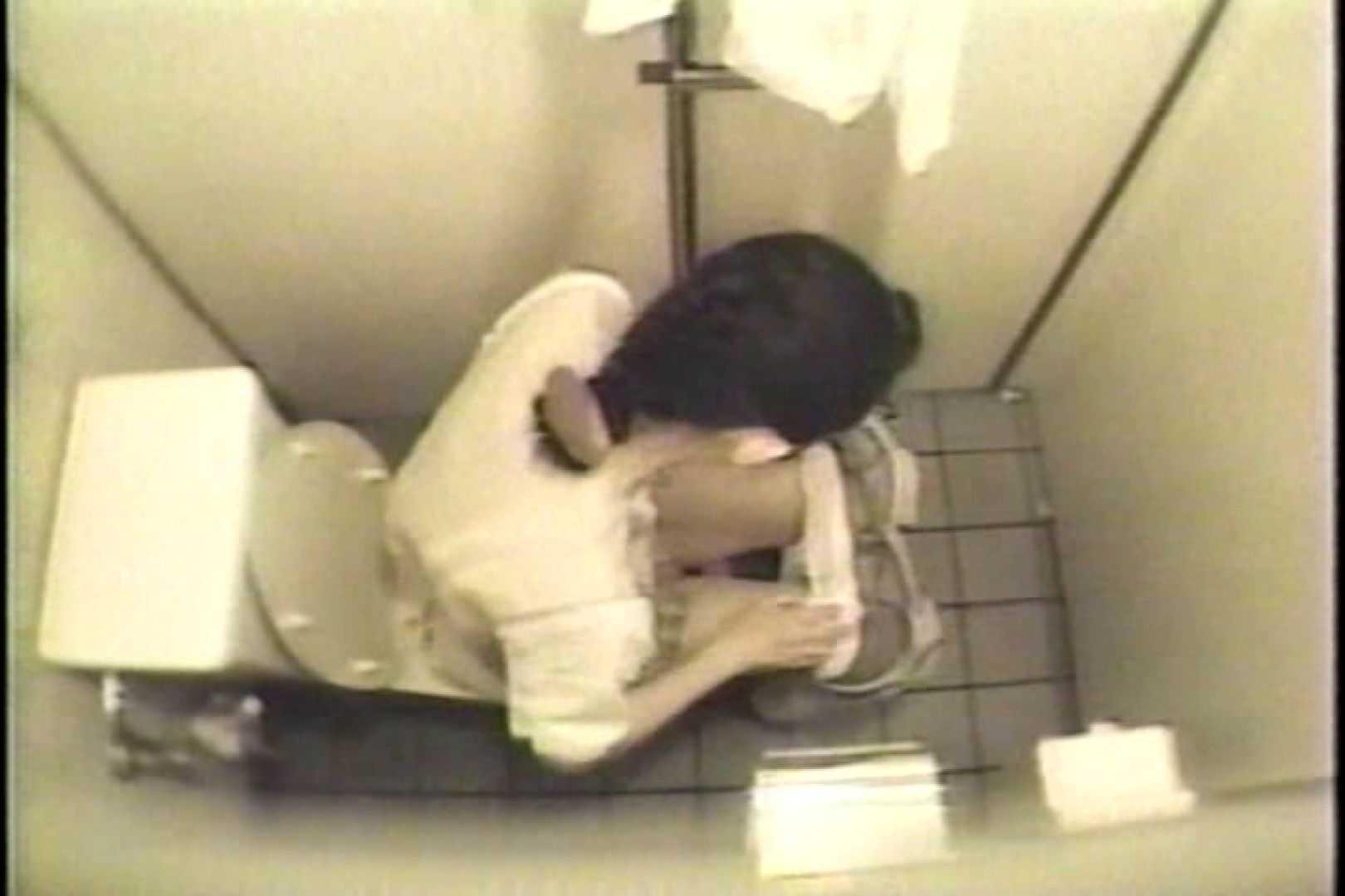 盗撮 女子洗面所3ヶ所入ってしゃがんで音出して 女体盗撮 のぞきエロ無料画像 109連発 106
