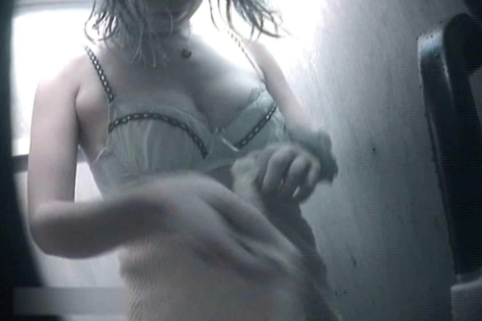 夏海シャワー室!ベトベトお肌をサラサラに!VOL.11 裸体 盗撮動画紹介 105連発 17